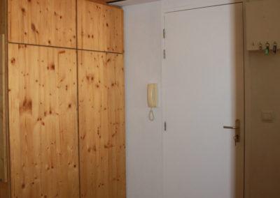 Placard/mezzanine